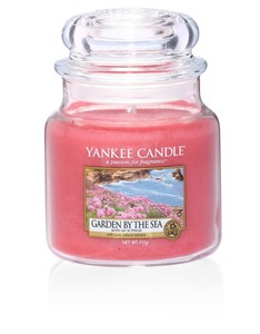 Yankee Candle Red Classic Jar Medium Garden By Sea
