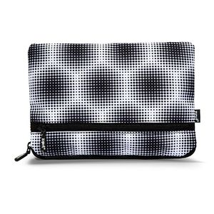 Illusion Jumbo Pouch Pentagon